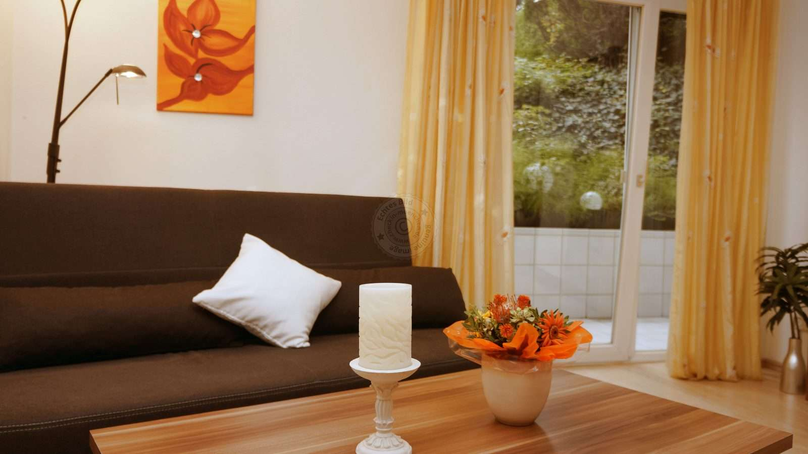 Sofa in the living room, also ideal as a separate sleeping possibility for 1-2 persons