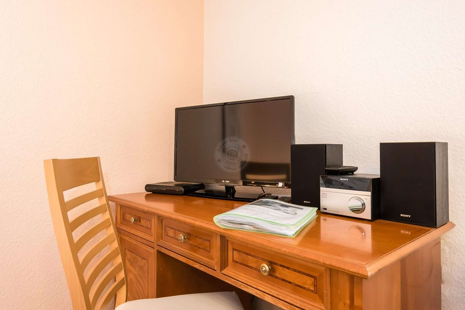 Work desk with smart TV and HiFi
